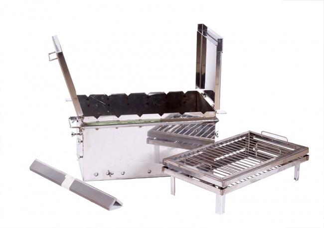 Коптильня-мангал предназначена для копчения продуктов (рыбы, мяса, птицы) на открытом воздухе.